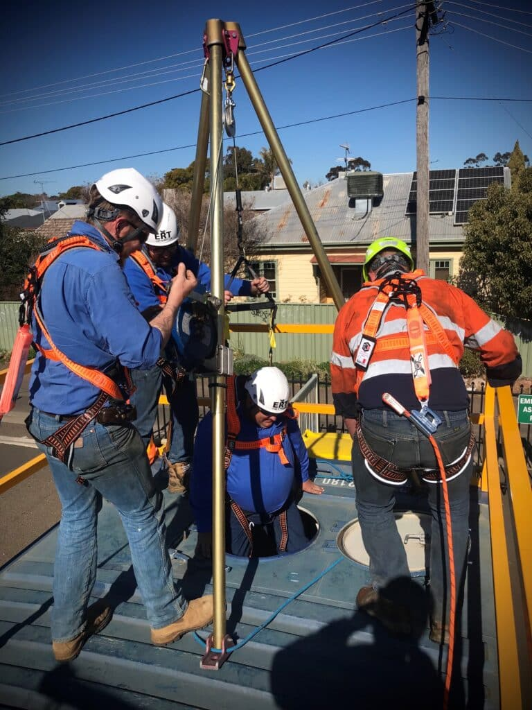 RIIWHS202E - ENTER AND WORK IN CONFINED SPACES